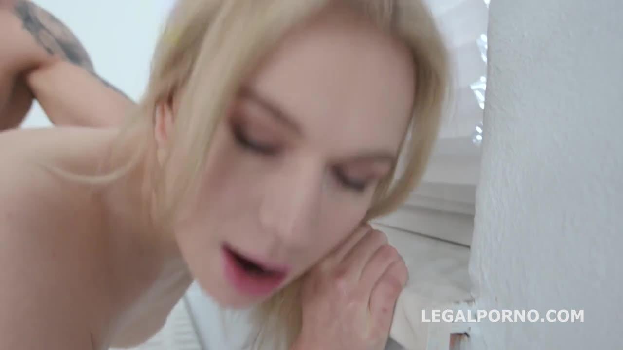 Блондинку Затыкали Членами